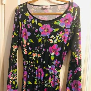 """Dresses & Skirts - Long Sleeve """"Backless"""" Floral Stretch Maxi Dress"""